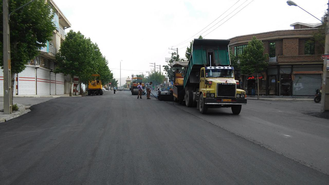 ادامه آسفالت خیابان قدس و آسفالت خیابان مولوی شرقی