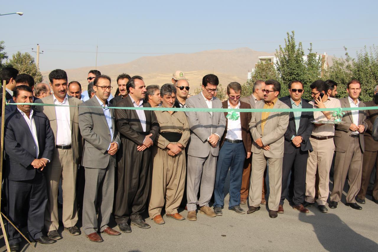 افتتاح پروژه های عمرانی شهرداری پیرانشهر به مناسبت گرامی داشت هفته دولت